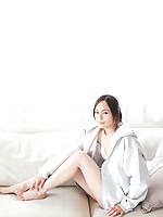 Sayuri Oyamada Asian shows naked back when is going to sleep